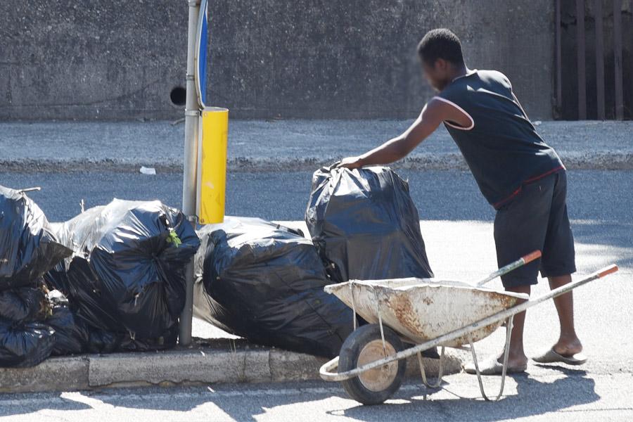 rifiuti, cosenza, mario occhiuto, amministrazione comunale