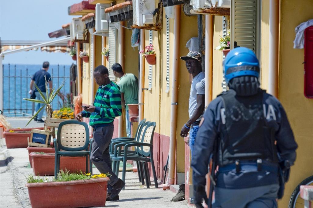 catanzaro-migranti-arresti